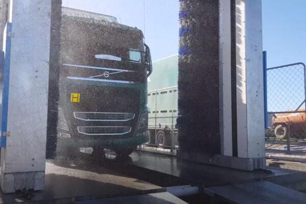 Omega wash_camion